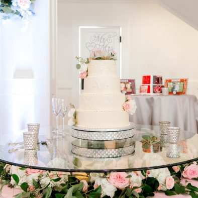 Manor Cake Table